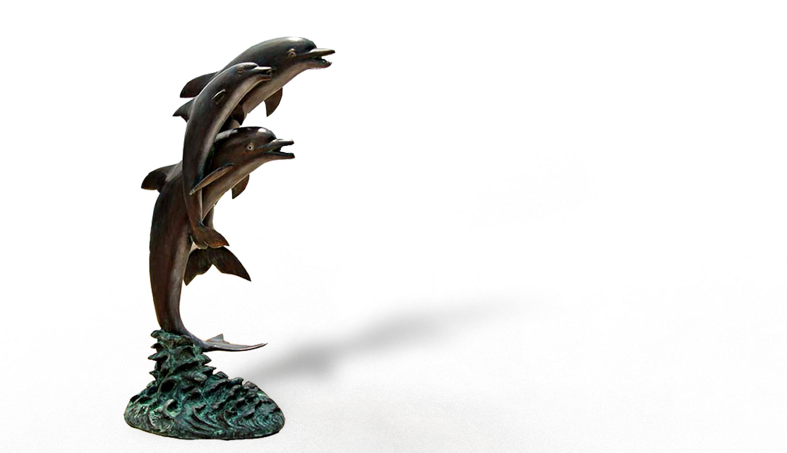 fantana din bronz delfini